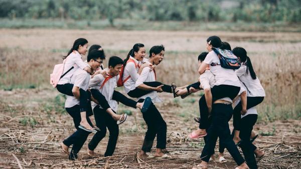 """Rơm rớm nước mắt với bộ ảnh """"Ai cũng có tuổi thơ để trở về"""" của teen Đồng Nai"""