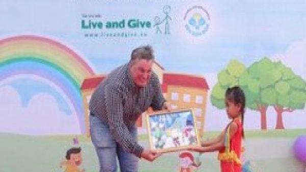Đồng Nai: Hành trình 16 năm'Đèn Đom Đóm' thắp sáng ước mơ đến trường