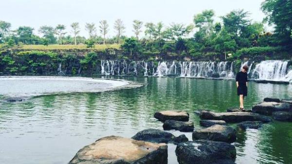 """Không thể tin được ngay gần Sài Gòn lại có một công viên """"xịn sò"""" đẹp như trong phim thế này"""
