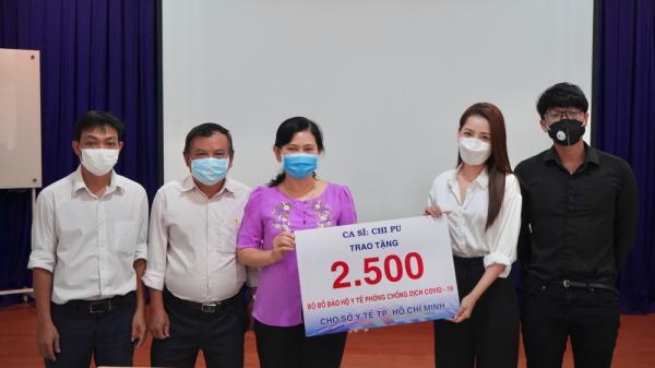 Trong một ngày, Chi Pu trao tận tay 5.000 bộ trang phục bảo hộ phòng dịch tại Hà Nội và TP. HCM