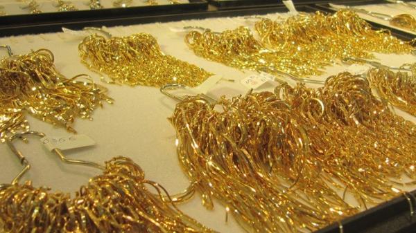 Giá vàng vượt 49 triệu đồng/lượng