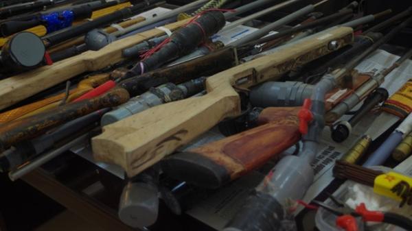 Triệt phá đường dây buôn bán súng tự chế