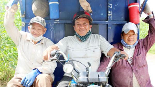 Vĩnh Cửu: Ấp phó thu gom rác
