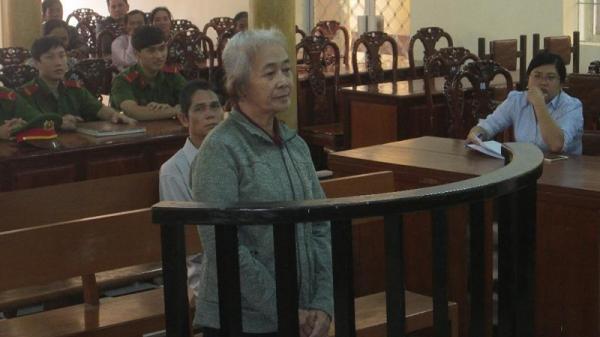 Người phụ nữ 65 tuổi đâm chết bạn trai vì bị bắt ngủ chung