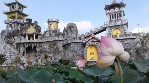 Ngay gần Đồng Tháp có một ngôi chùa đẹp như tiên cảnh nhất định phải đến dịp Tết này