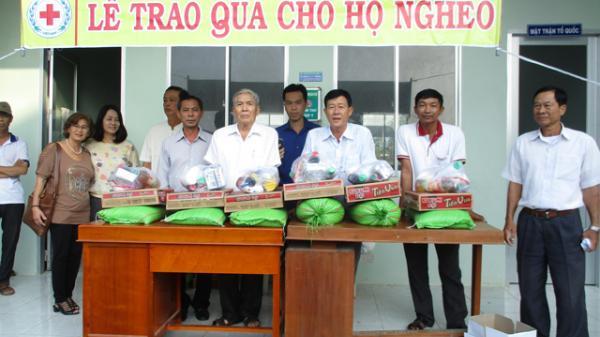Ngưỡng mộ cụ ông 80 tuổi Đồng Tháp vẫn hăng say làm từ thiện