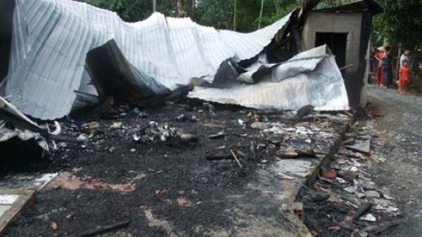 Đồng Tháp: Cháy lớn thiêu rụi căn nhà ở Lai Vung