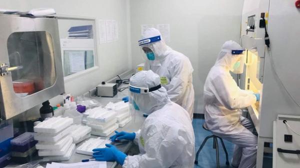 Hà Nội: Ca mắc Covid-19 mới nhất ở cạnh phòng bệnh, chung nhà vệ sinh với 2 F1 của cựu Giám đốc Hacinco