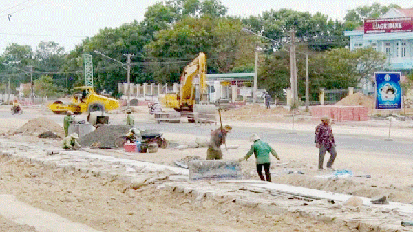 Gia Lai: Nhà thầu vi phạm vẫn tiếp tục thi công công trình