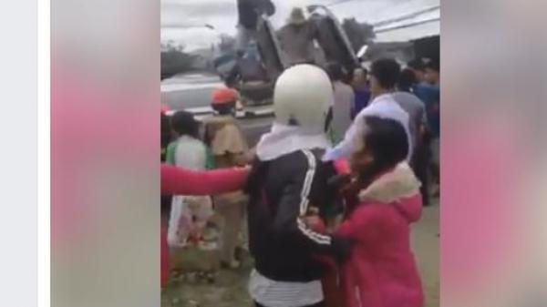 """Gia Lai: Xe rước dâu lật khiến 2 người bị thương, mạng xã hội """"đồn"""" nhiều người chết"""