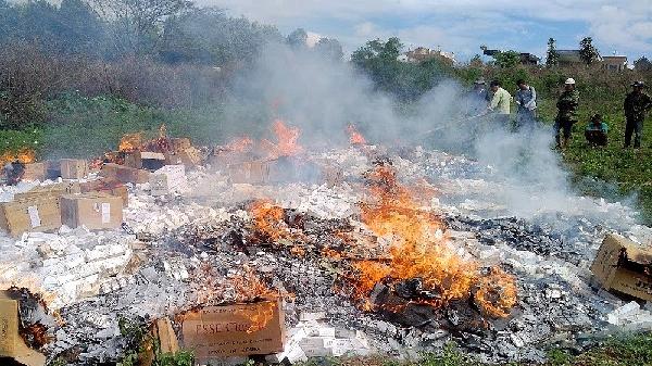 Gia Lai: Một năm, phát hiện, tiêu hủy hơn 2 vạn gói thuốc lá lậu