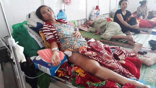 Nước mắt người mẹ trẻ Gia Lai bị ung thư xương