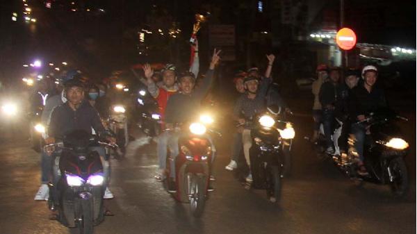 Phố núi Pleiku bùng nổ với kỳ tích của U23 Việt Nam