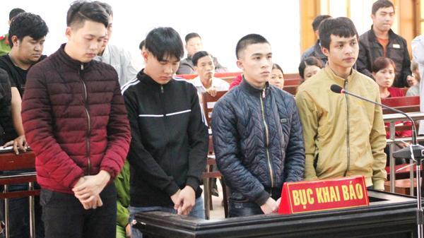 Gia Lai: Thiếu niên cầm dao truy sát người đến chết