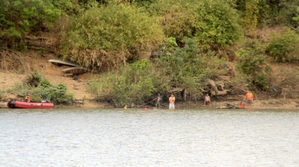 Gia Lai: Giăng lưới ngang sông Ba tìm học sinh nghi đuối nước