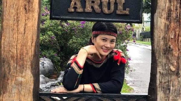 Hoa khôi bóng chuyền Kim Huệ hóa sơn nữ xinh đẹp giữa núi rừng Tây Nguyên