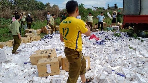 Gia Lai: Lực lượng chức năng tiêu hủy gần 8 vạn gói thuốc lá nhập lậu