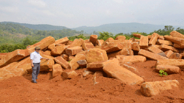 Làm rõ, xử lý các vụ khai thác đá trái phép ở xã Ia Bă, Gia Lai