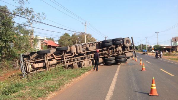 Gia Lai:  Tạm giữ tài xế ôtô tải gây tai nạn khiến 8 người th.ư.ơ.n.g v.o.n.g trong đêm