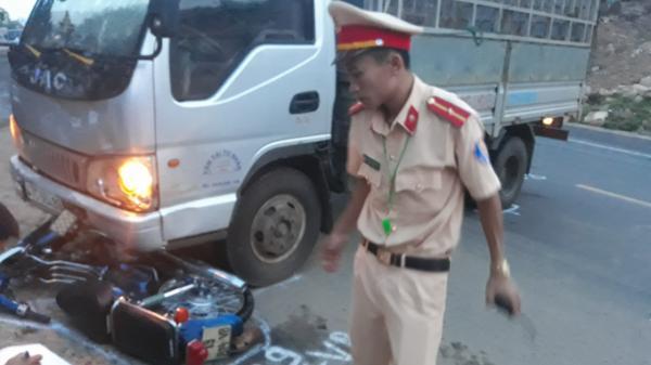 Xe tải chạy hướng Buôn Ma Thuột - Gia Lai va chạm với xe máy, khiến 1 người tử vong