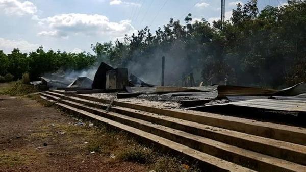 Gia Lai: Sét đánh tan tành trụ sở công ty đang có 11 người ngủ