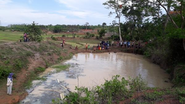 Gia Lai: Giờ ra chơi, hai học sinh đuối nước ở hồ tưới