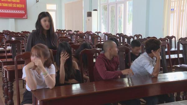 Nữ sinh viên Tây Nguyên bị bắt cùng ổ lắc trong khách sạn