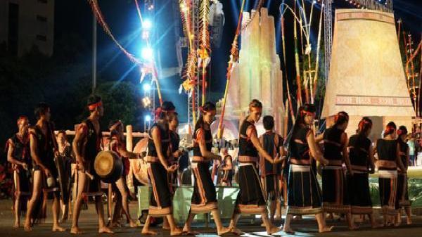 Gia Lai: Trắng đêm với Festival văn hóa cồng chiêng Tây Nguyên