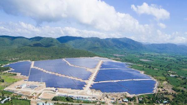 Đưa vào vận hành nhà máy điện mặt trời tại Gia Lai