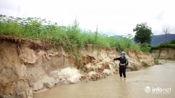 """Gia Lai: Hoang mang vì suối """"nuốt"""" hàng chục hecta đất trồng lúa"""