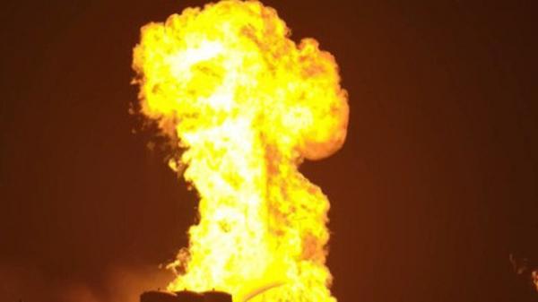 Hệ thống phóng mới của SpaceX bị một quả cầu lửa khổng lồ nuốt trọn, Elon Musk phải dời lịch bay thử