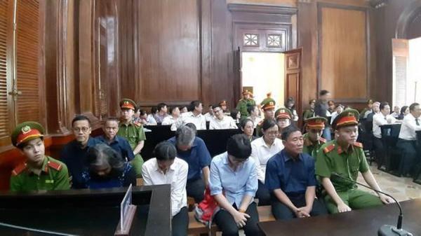 Xét xử giai đoạn 2 vụ án chiếm đoạt hơn 1.300 tỷ đồng tại Ngân hàng Đại Tín: Vắng mặt 'bà trùm'