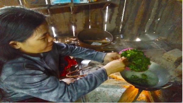 Lạ miệng với món ăn từ lá mì của người Bahnar Tú An