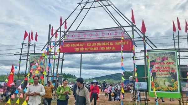 """Chùm ảnh: Tưng bừng lễ hội """"hoa dã quỳ - núi lửa Chư Đăng Ya"""" ở Gia Lai"""