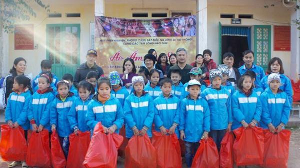 Cảnh sát hình sự xây cầu, trao quà cho trẻ em vùng cao bất chấp giá lạnh