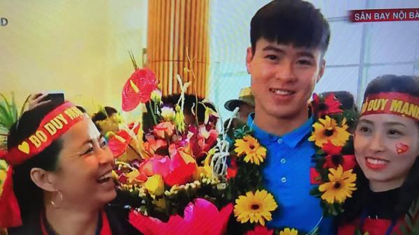 Những hình ảnh đầu tiên của dàn cầu thủ cực phẩm U23 Việt Nam khi về nước