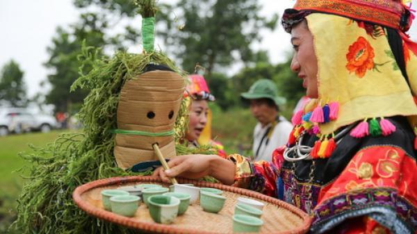 Hà Giang: Độc đáo lễ cầu mưa trên đỉnh Mèo Vạc