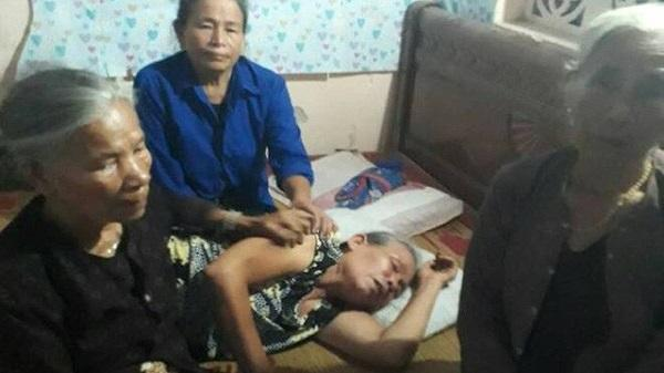 """Nỗi đau tột cùng của người mẹ già khóc """"ngất lên ngất xuống"""" khi nghe tin 3 mẹ con bị cuốn vào gầm xe tải tử vong"""