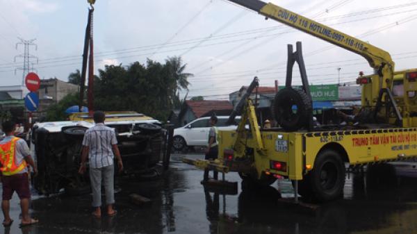 Miền Tây: Ôtô tông liên hoàn trên đường dẫn cao tốc làm 4 người bị thương, giao thông ùn ứ
