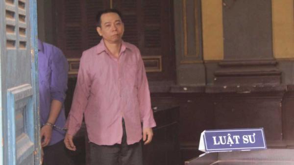 KINH HOÀNG: Đâm cha mẹ vợ tới gãy cán dao, vợ đề nghị tử hình chồng
