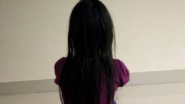 Miền Tây: Bé gái 8 tuổi bị 2 thiếu niên cùng xóm hiếp dâm