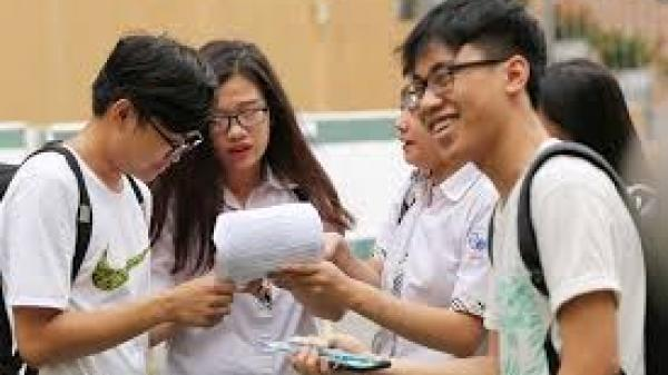 """Làm việc đến 1h20, Bộ GD&ĐT vẫn chưa có kết luận về điểm thi """"bất thường"""" ở Lạng Sơn"""