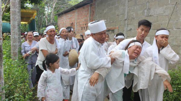 Hình ảnh đau nhói tại Lương Điền: Xe đưa đám tang này quay về, xe khác lại tiến về nghĩa trang