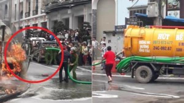 Clip: Ô tô du lịch cháy ngùn ngụt, xe hút bể phốt xung phong cứu hỏa