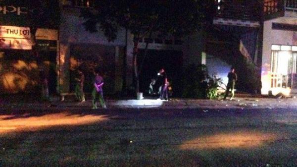Đánh nhau ngã ra đường, nam thanh niên bị đối thủ lái ô tô bán tải chèn chết tại chỗ