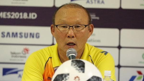 """HLV Park Hang Seo: """"Không ai có thể thay thế Công Phượng"""""""