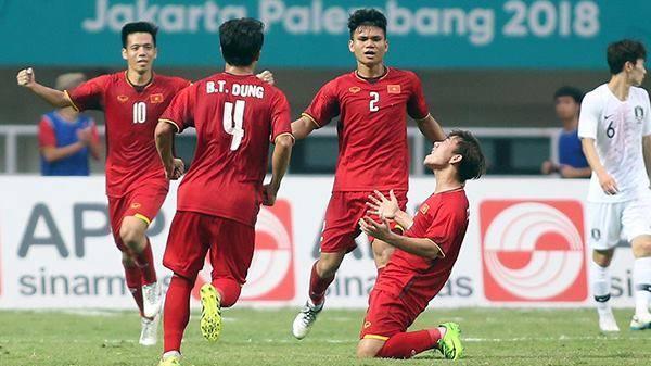 Cầu thủ Minh Vương – Ghi bàn thắng quý hơn VÀNG rút ngắn tỷ số với Olympic Hàn Quốc, hàng triệu con tim vỡ òa hạnh phúc