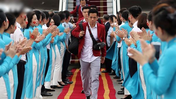 Cả châu Á ngả nón bái phục VN vì màn chào đón U23 như sao quốc tế: Không huy chương mà còn thế!