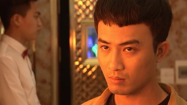 Đẻ xong đi khách trở lại, Quỳnh tung chiêu cướp khách ruột của My, anh Cảnh đứng ngoài mặt buồn rười rượi