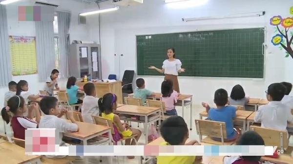 SGK dạy 'tam giác, vuông, tròn' lên cả truyền hình quốc gia, MC giải thích quá dễ hiểu, phụ huynh cũng không nói được gì
